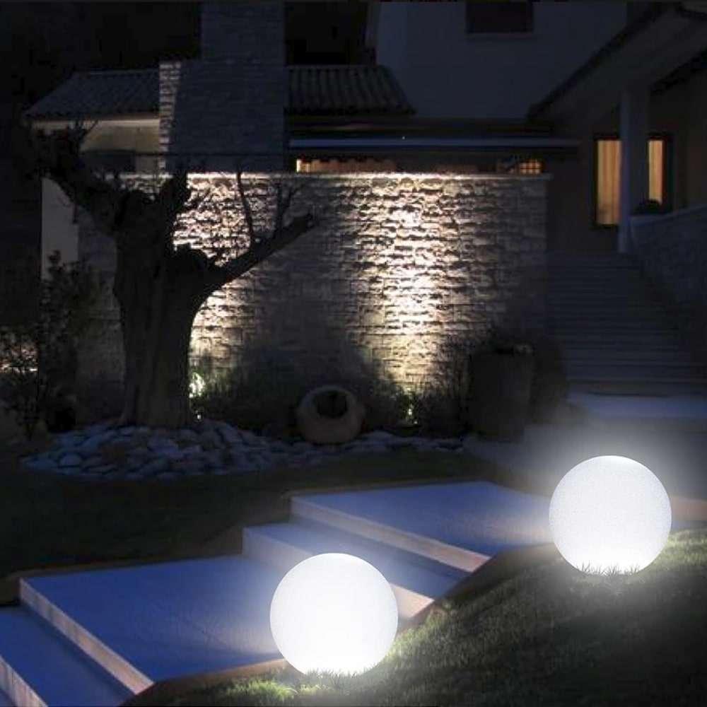 Arkema sfera solare luminosa da giardino